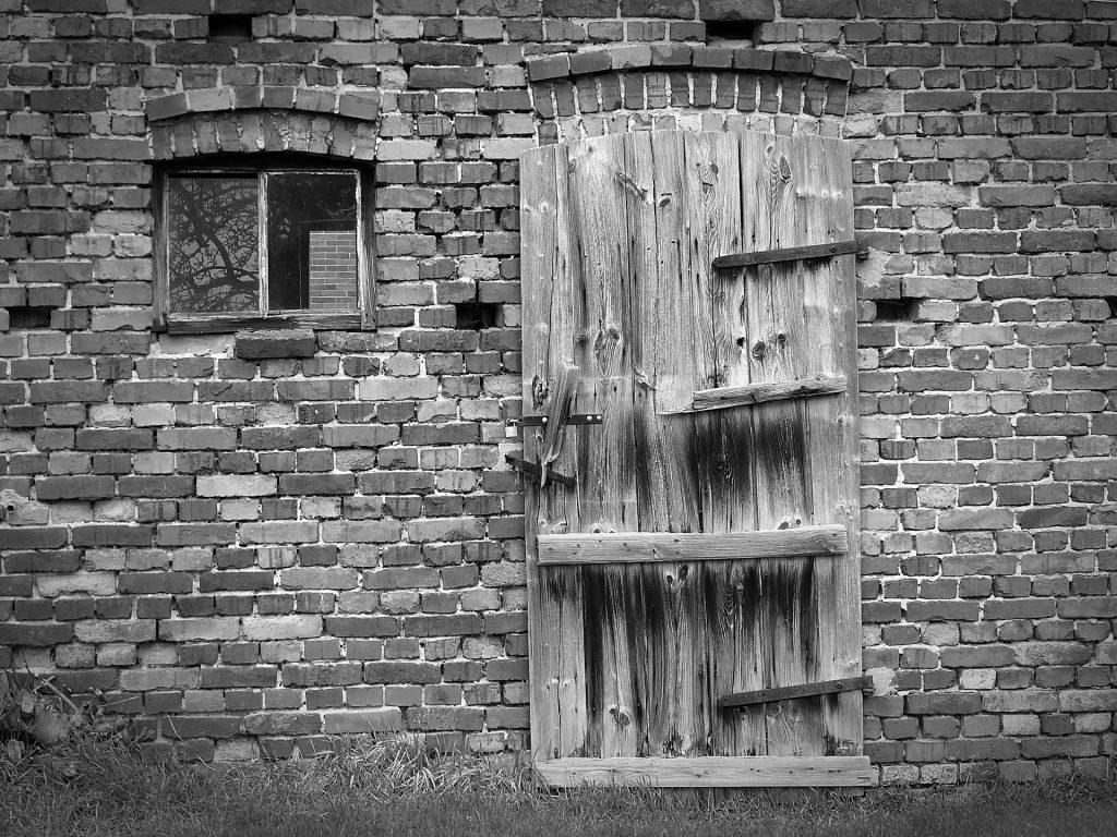 old-barn-1268513_1920